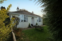 CHARMING DETACHED BUNGALOW - YELVERTON