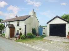 Charming cottage with panoramic countryside views situated in a small hamlet...