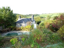 Attractive period house, sitting above the banks of the Tamar River in a popular rural village location...